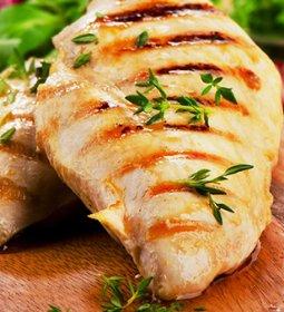 Demanda doméstica por carne de frango deve continuar aquecida