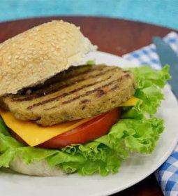 Marfrig e ADM entram no mercado de hambúrguer vegetal