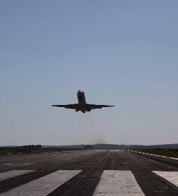 Itinerários de voos são disponibilizados para visitantes e expositores